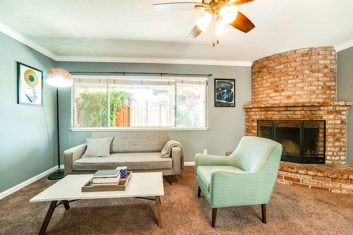3 Bedroom Home in Mountain View