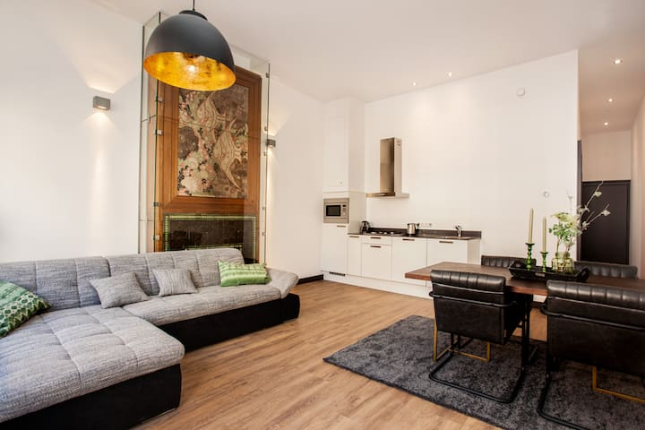 Stylish One Bedroom apartment for 3 persons at Noordeinde