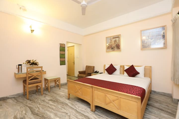 COMFORTABLE DELUXE A/C  ROOMS IN MYSURU