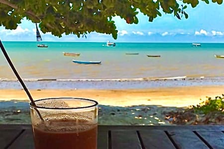 Cumuruxatiba right at the beach. *PARADISIAC VIEW*