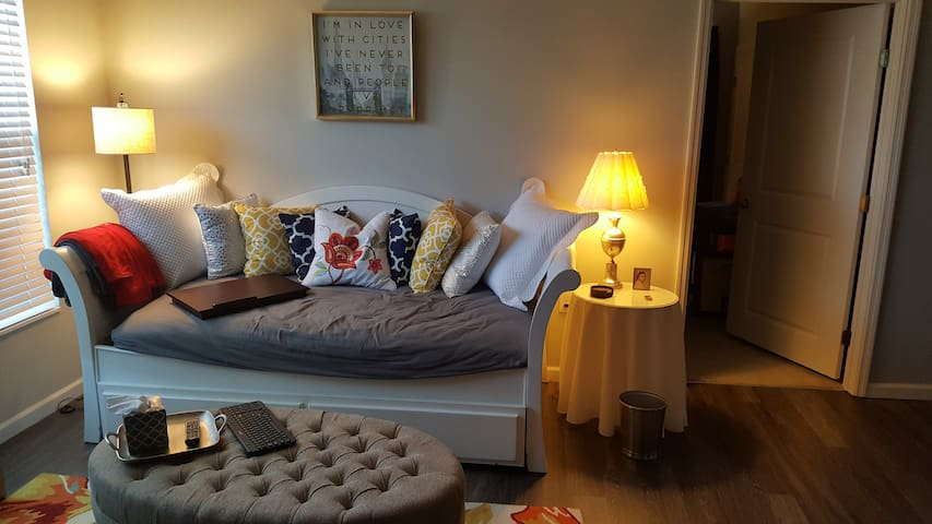 Private bed/bath in Professional's apartment - 哥倫布 - 公寓