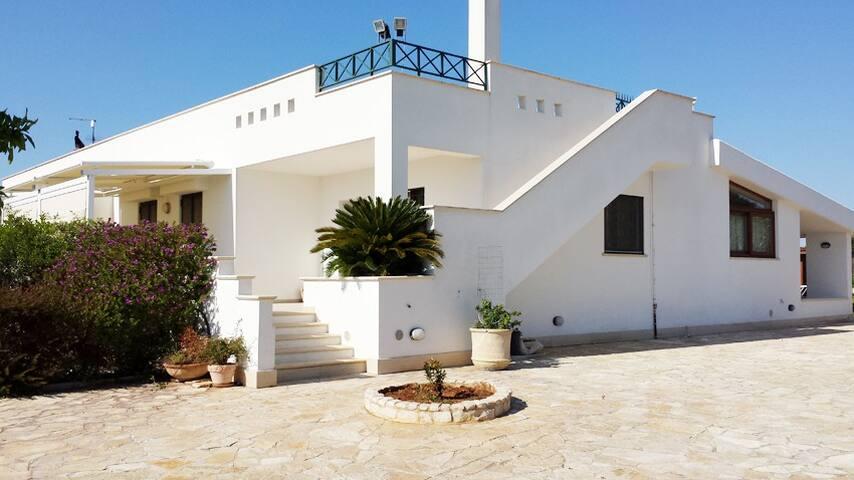 VILLA BIGIO MO0NOPOLI - Vacanze per la Famiglia - Monopoli - Villa