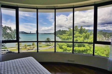 伴客家@180°超大无敌海景房Super Seaview suite水上清真寺曙光广场5分钟