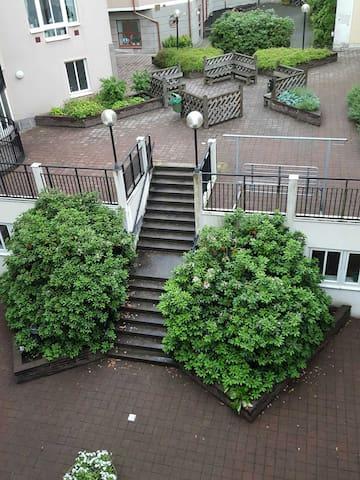 TOPPLÄGE, MITT I CENTRUM, FRÄSCHT KOMPLETT BOENDE! - Borås - Lägenhet