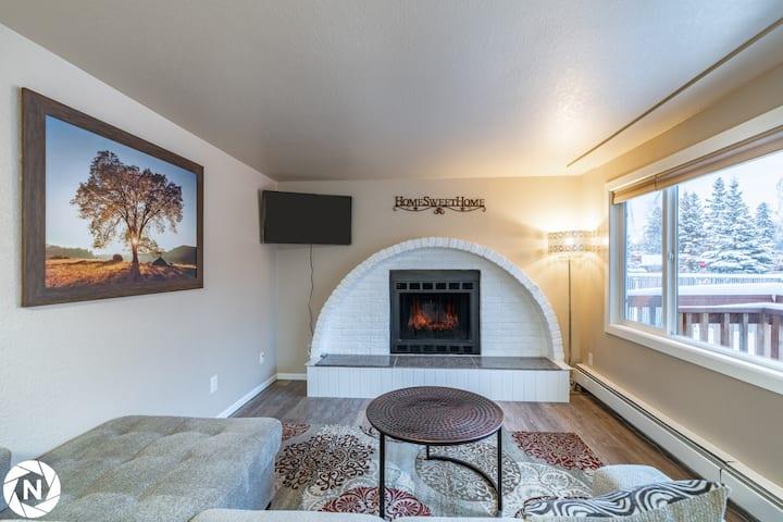 Joy's Igloo #2, 3Bedrooms 1bath,near Airport 4beds