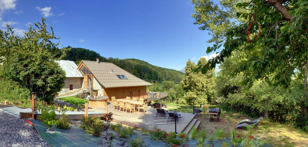 Les Dourioux - sauna et bain nordique privatif