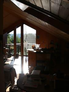Großzügiges Zimmer mit Seeblick in Herrsching