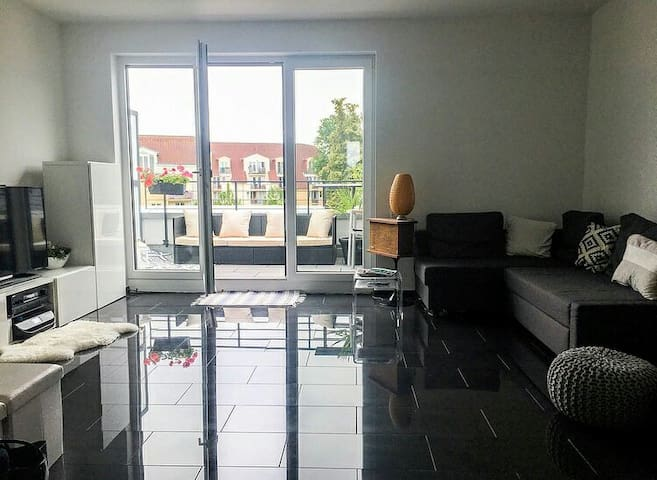 Lovely bedroom in premium flat close to fair&city