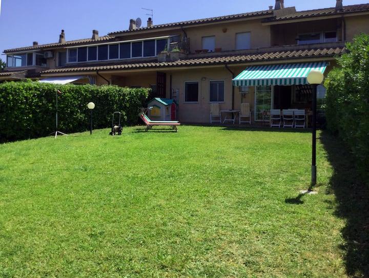 Casa al mare con giardino 13 posti