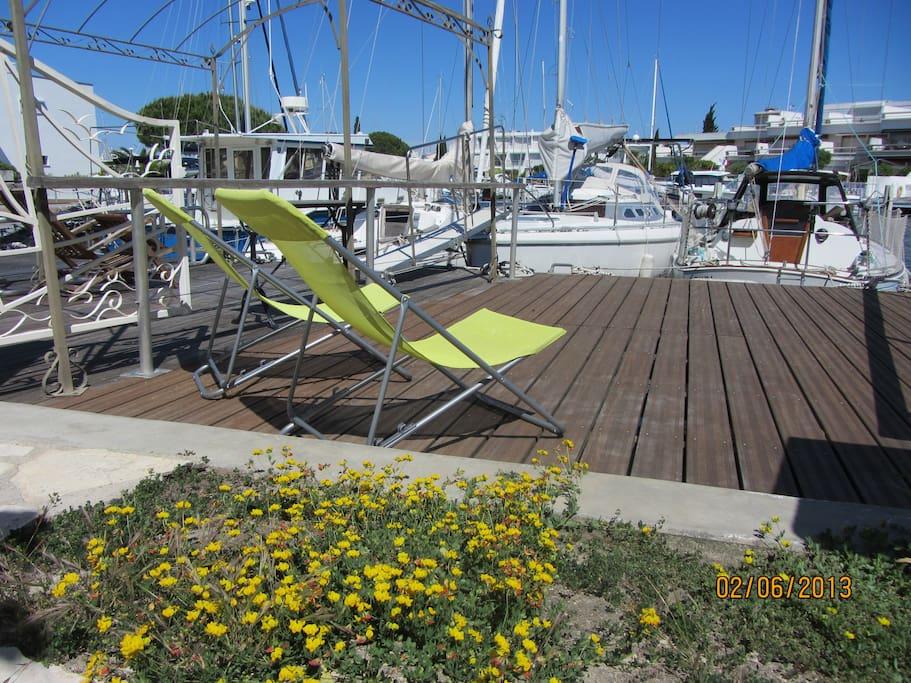 marina at port camargue south fr flats for rent in le. Black Bedroom Furniture Sets. Home Design Ideas