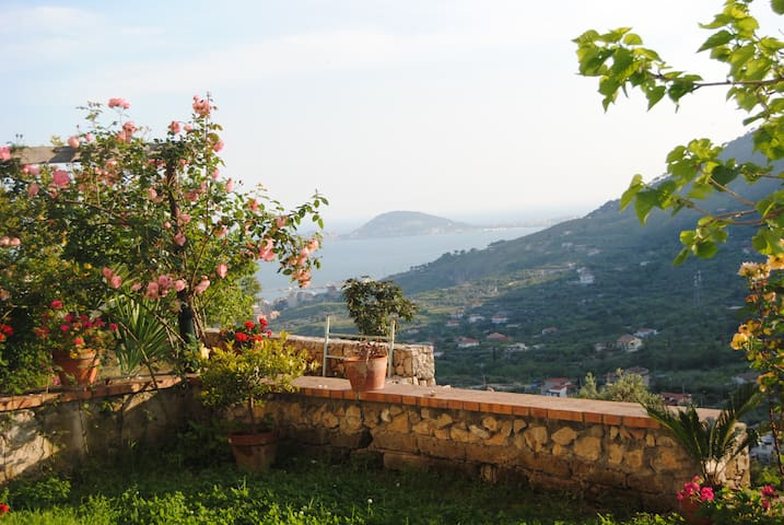 Roof garden on mountains & sea - Formia  - Casa