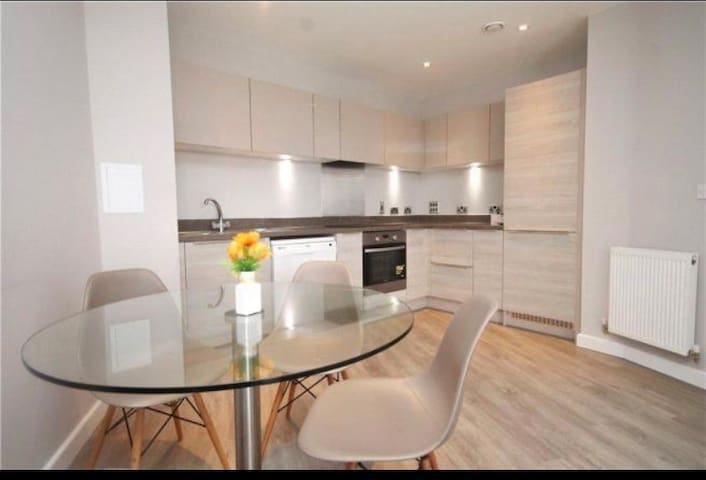 Spacious one bed flat in the heart of East Croydon