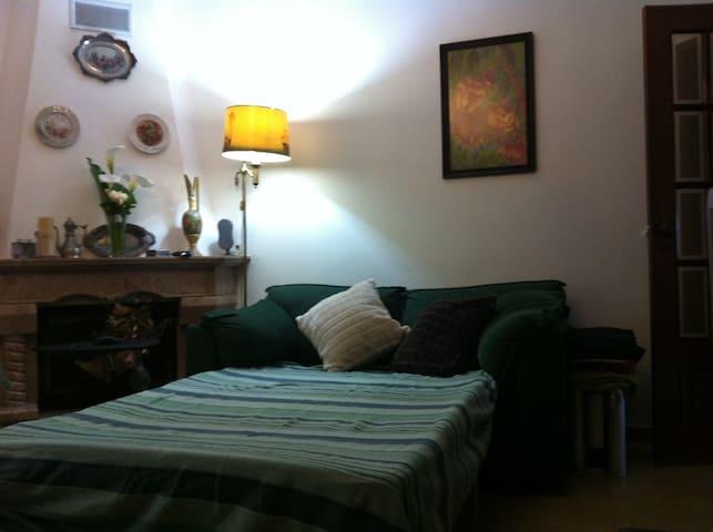 ALQUILLER HABITACION - Charneca de Caparica - Bed & Breakfast