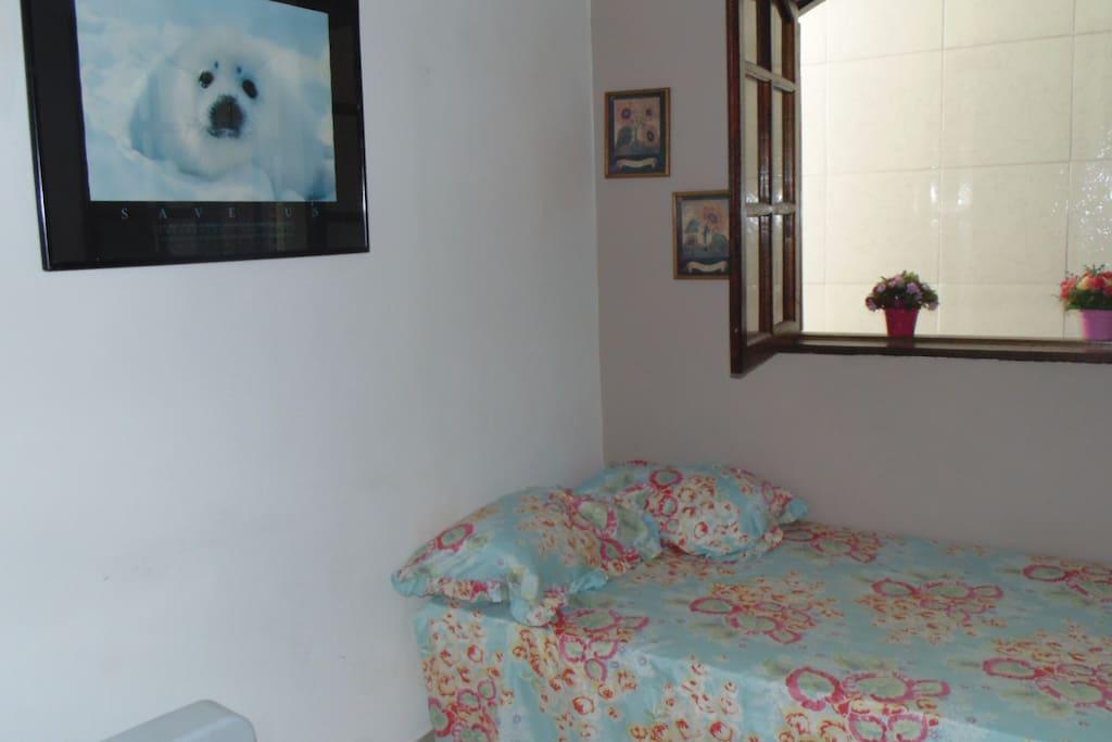 Quarto 2 cama de casal + 3 colchoes de ar casal + Tv +  ventilador