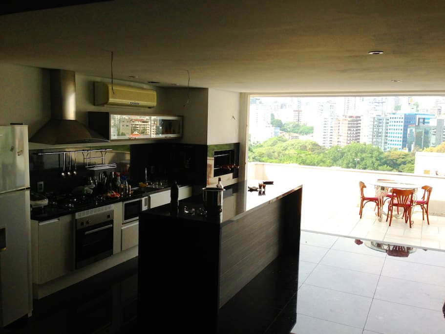 BBQ & 2nd KITCHEN & LIVING ROOM - 8th FLOOR