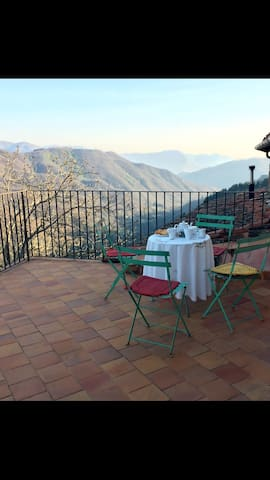 Self-Catering Adorable Cottage! Fast Wi-Fi - Tereglio - Casa