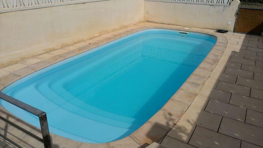 Chalet con piscina : mar y montaña! - Alcanar - Hus