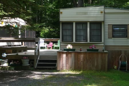 2BR Pocono Vacation Home Eagle Lake - Gouldsboro - 一軒家