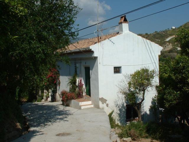 Organic Farmhouse - La Fabrica - Restábal - Rumah