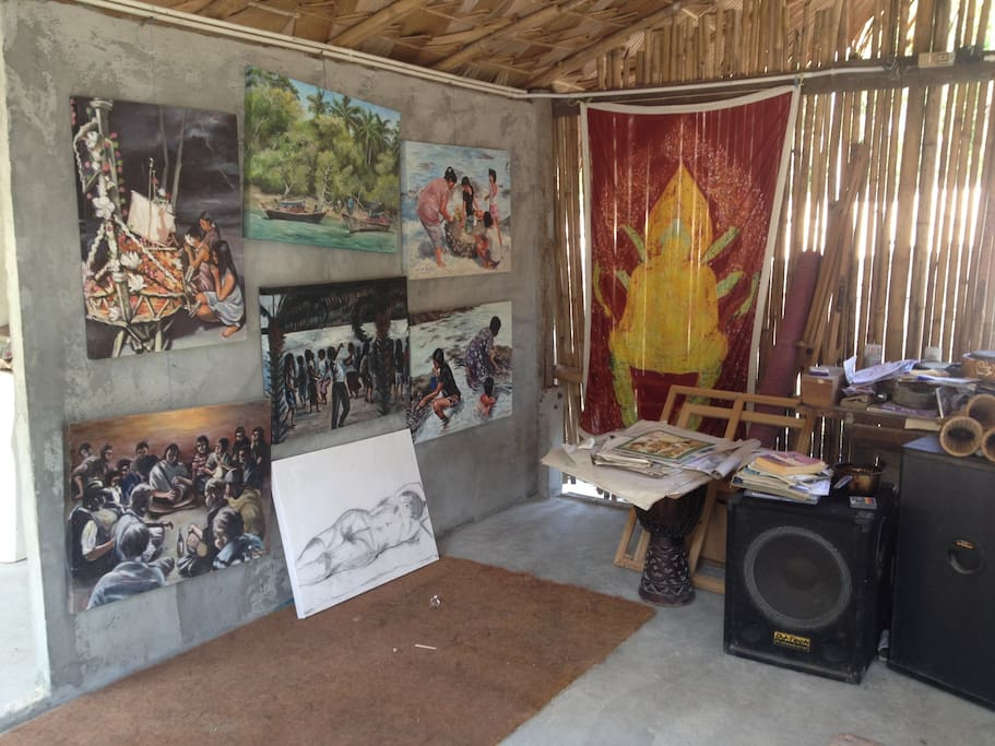 A Gallery and workshop are right on the premises
