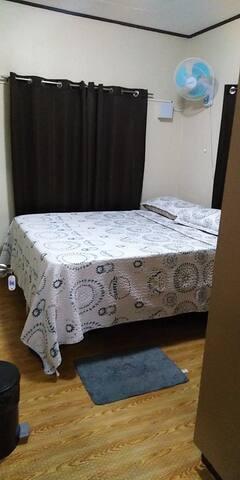 RedDoorz Guestroom (Small Room)