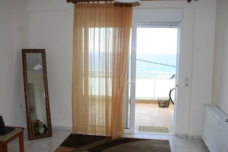 Studio near the beach with sea view - Rethimnon