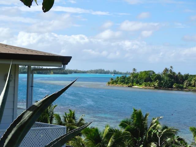 BLUE LAGOON LODGE HUAHINE,vue mer,acès privé lagon