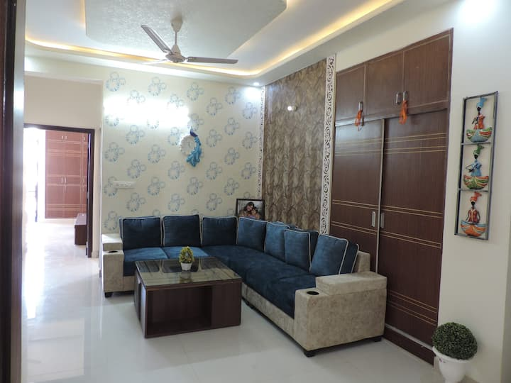 4BHK Private Flat Fully equiped Kitchen with Gas