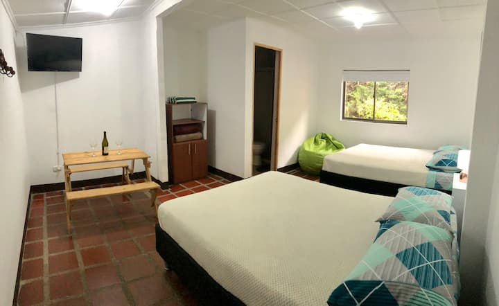 Cozy room for 2 people or family - Casa Linda