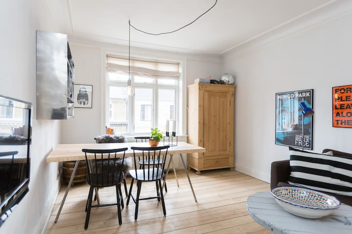 Young & trendy Vesterbro apartment - Copenhagen - Apartmen