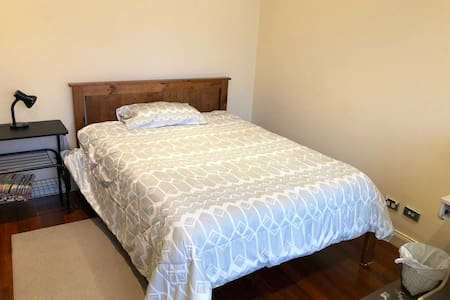Quiet, Tidy & Clean, Spacious..Great location.