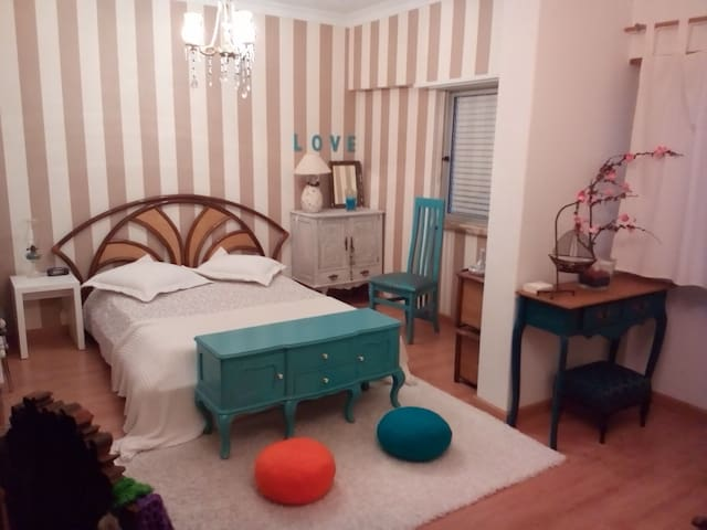 Bedroom with shared bathroom - Odivelas - Byt