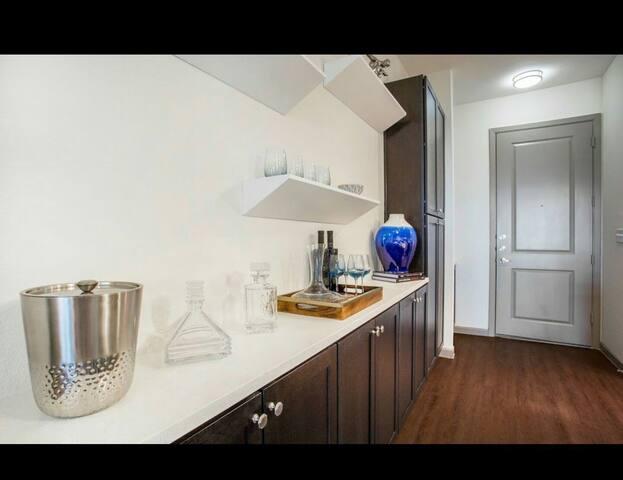 AMAZING 1 BEDROOM ON WEST HOUSTON - Houston - Lägenhet