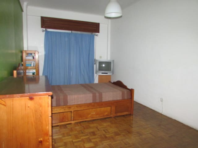 Available for Champions League - Queluz - Apartamento