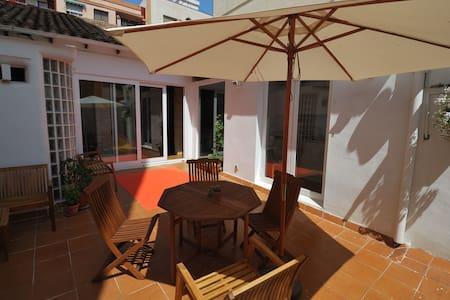 Beautiful artist home + big terrace - Valencia
