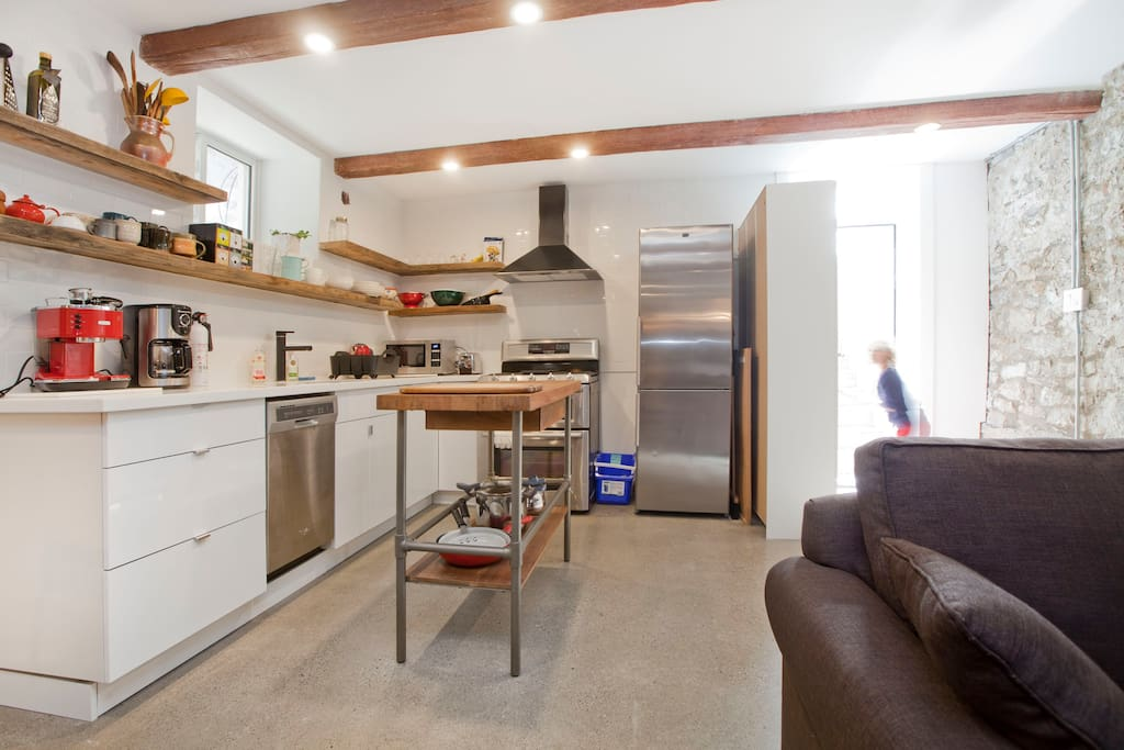 Brand new appliances await your chef's touch