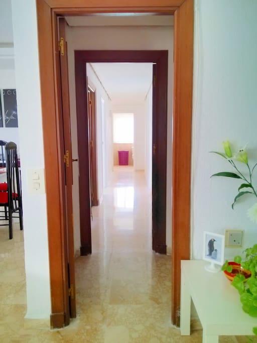 El pasillo, la arteria principal de la vivienda