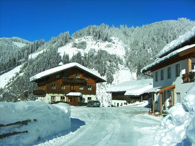 Bauernhof-Urlaub--Salzburg Zimmer - Eben im Pongau - Bed & Breakfast