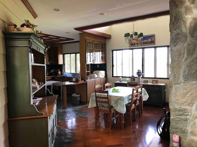 Dining area that can fit 6pax comfortably. Additional table for dining can be set-up for you at the kitchen area.