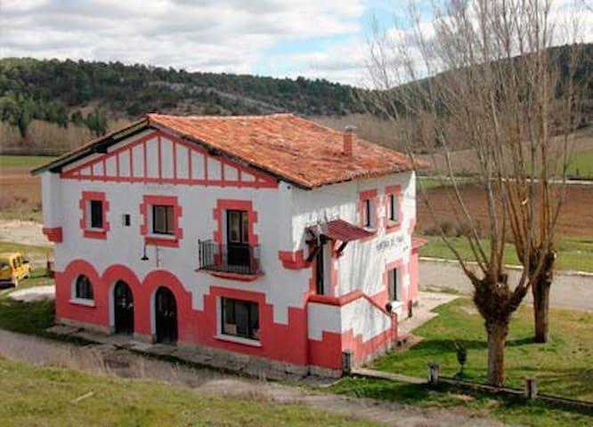 ALBERGUE LaEstaciónDelRíoLobos (1) - Hontoria del Pinar - Inny