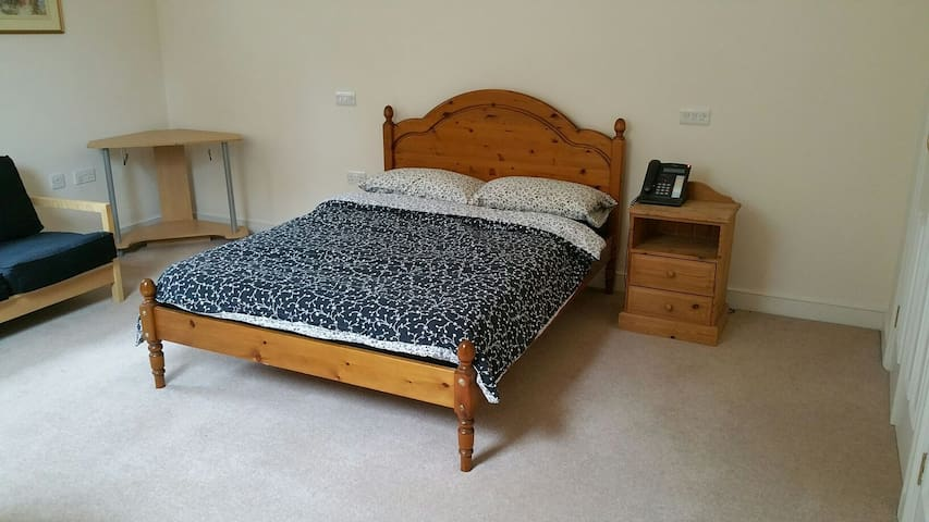 Large secluded airy double room