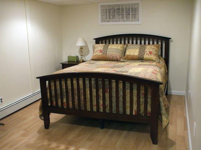 Clean, Quiet Private Room