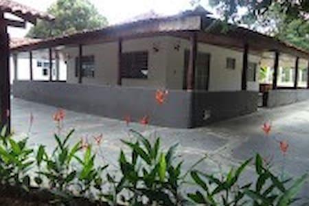 Chácara Via Lactea p/ 6 pessoas - Cuiabá - Inap sarapan