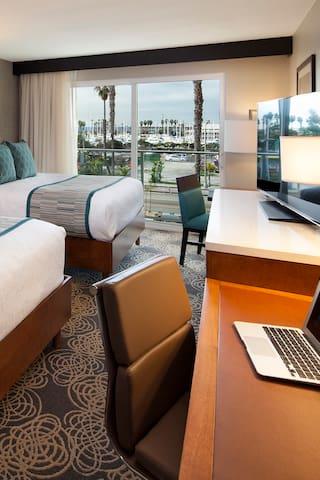 The Redondo Beach Hotel | Luxe 2 Queen Marina View