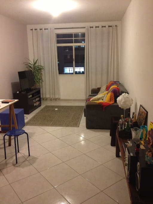 TV ROOM, WITH VIEW TO PAULISTA AVENUE.