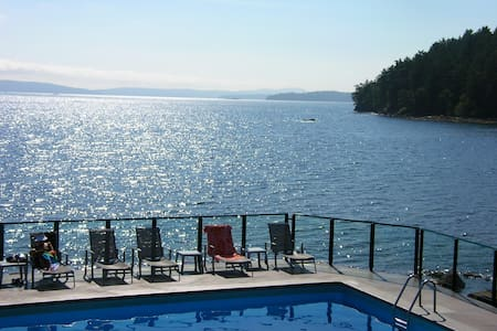 Apartments Houses Villas With A Pool In Salt Spring Island Canada Airbnb