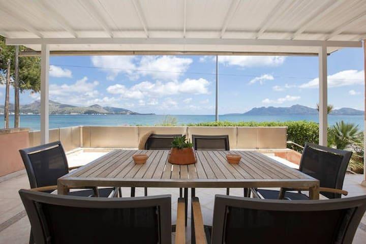 Astonishing sea views from Villa Llenaire