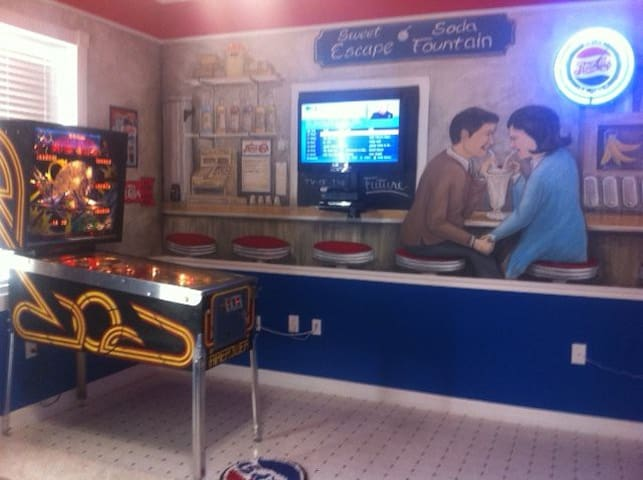 The Pepsi Bedroom has its own pinball machine!