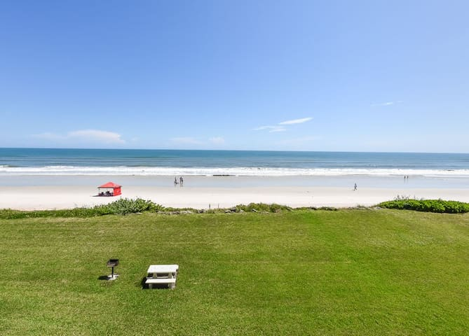 Watch the dolphins play!  Oceanfront Chadham-by-the-Sea 318