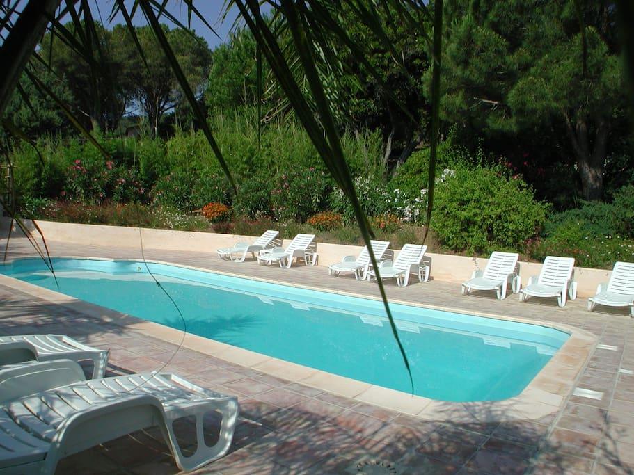 Villa 3 pi ces avec piscine maisons louer cavalaire for Camping cavalaire sur mer avec piscine